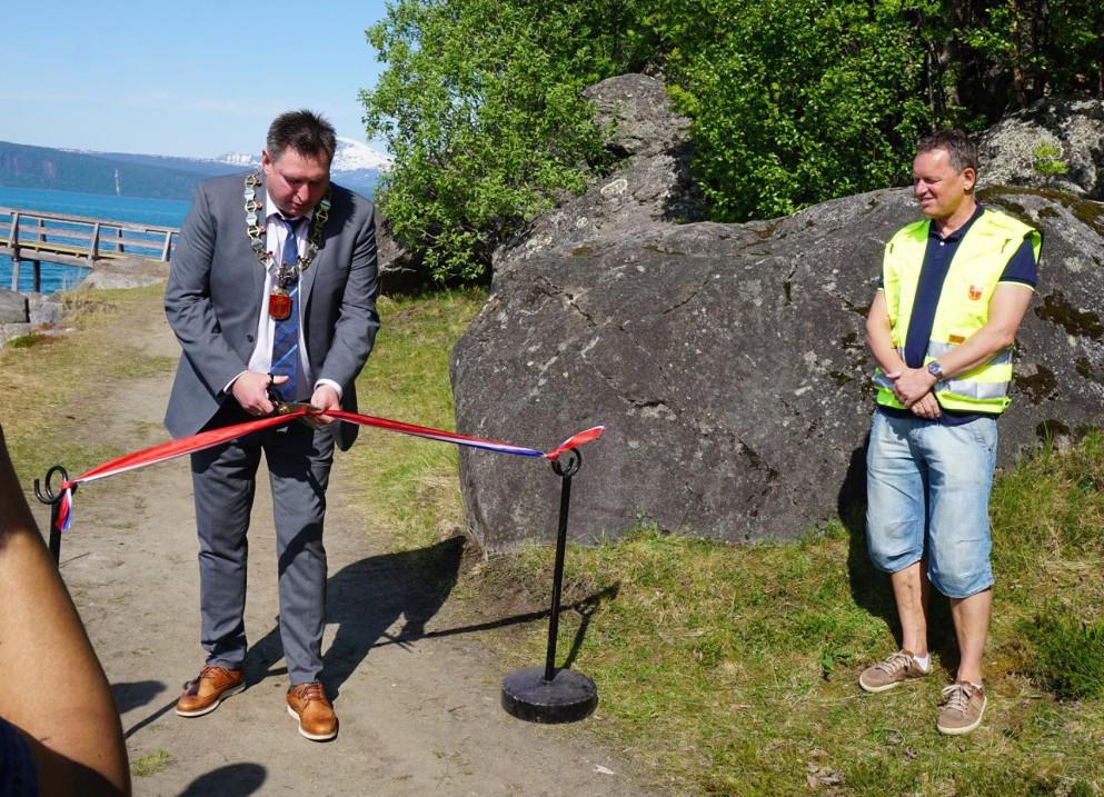 Ordførter Rune Edvardsen sto for den offisielle åpningen. Foto: Narvik Havn