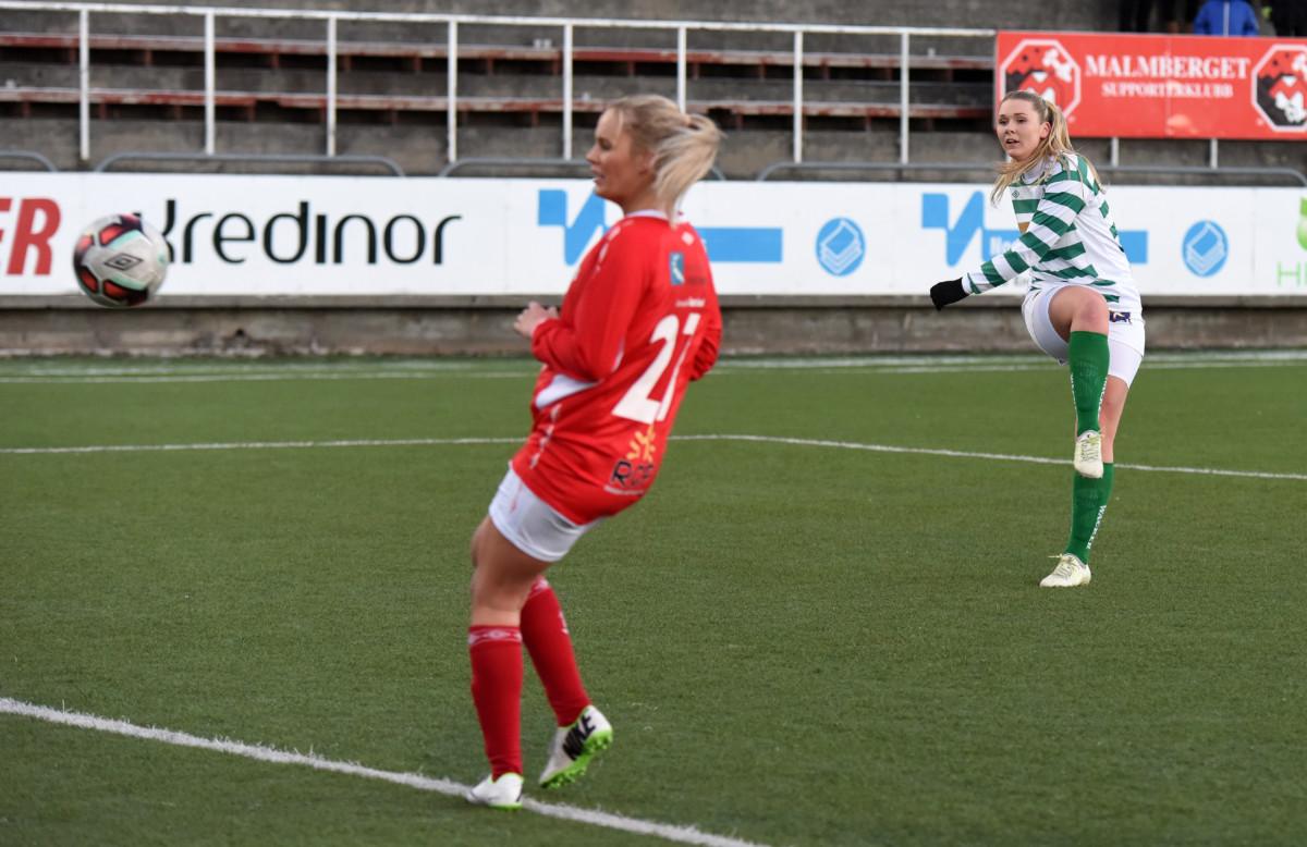 Marielle Meyer dunker inn 1-3 til Kil / Hemne. Foto: Rune Dahl